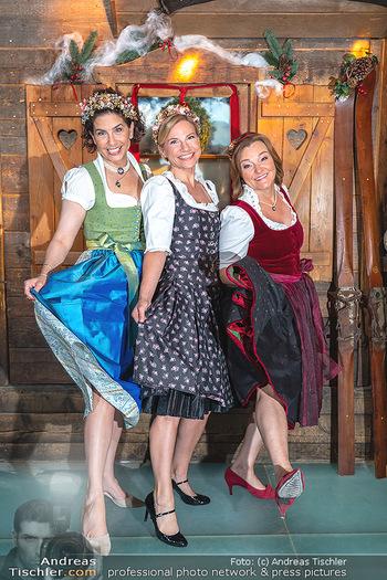 Fototermin 1. Wiener WinterWiesn - Bettelalm, Wien - Di 08.06.2021 - Sonja KATO-MAILATH, Kristina SPRENGER, Claudia WIESNER67