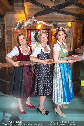 Fototermin 1. Wiener WinterWiesn - Bettelalm, Wien - Di 08.06.2021 - Sonja KATO-MAILATH, Kristina SPRENGER, Claudia WIESNER75