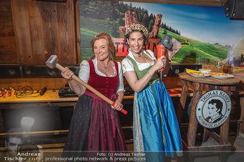 Fototermin 1. Wiener WinterWiesn - Bettelalm, Wien - Di 08.06.2021 - Sonja KATO-MAILATH, Claudia WIESNER80