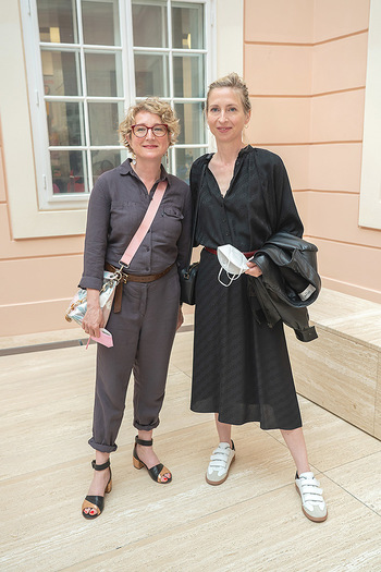 Xenia Hausner Empfang - Albertina, Wien - Di 08.06.2021 - Jessica und Tanja HAUSNER14