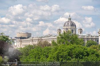 Bergauf mit Cultour - Albertina, Wien - Do 10.06.2021 - Blick auf Kunsthistorisches Museum KHM mit Flackturm Haus des Me38