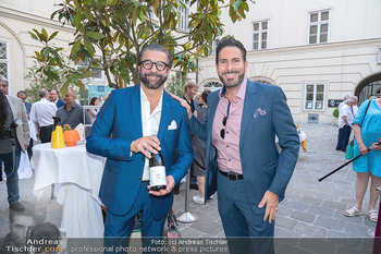 Mauro Maloberti Geburtstag - Pizzeria Regina Margherita, Wien - Mi 16.06.2021 - Mauro MALOBERTI, Clemens UNTERREINER19