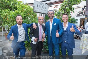 Mauro Maloberti Geburtstag - Pizzeria Regina Margherita, Wien - Mi 16.06.2021 - Familie Luigi Sen und Jun sowie Antonio BARBARO, Mauro MALOBERTI24