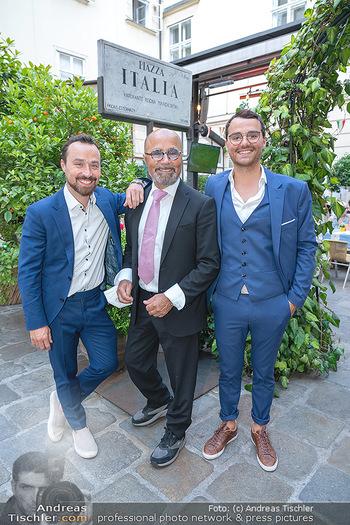 Mauro Maloberti Geburtstag - Pizzeria Regina Margherita, Wien - Mi 16.06.2021 - Familie Luigi Sen und Jun sowie Antonio BARBARO26