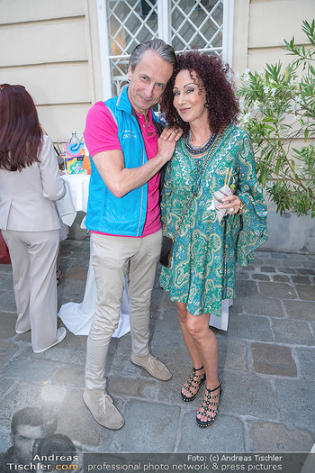 Mauro Maloberti Geburtstag - Pizzeria Regina Margherita, Wien - Mi 16.06.2021 - Christian RAINER, Christina LUGNER29