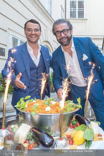 Mauro Maloberti Geburtstag - Pizzeria Regina Margherita, Wien - Mi 16.06.2021 - Mauro MALOBERTI, Luigi BARBARO junior41