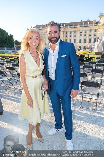 Sommernachtskonzert 2021 - Schönbrunn, Wien - Fr 18.06.2021 - Elisabeth HIMMER-HIRNIGEL, Mauro MALOBERTI5