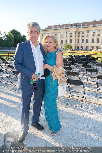 Sommernachtskonzert 2021 - Schönbrunn, Wien - Fr 18.06.2021 - Wolfgang und Brigitte HESOUN6