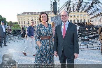Sommernachtskonzert 2021 - Schönbrunn, Wien - Fr 18.06.2021 - Elisabeth KÖSTINGER, Alexander SCHALLENBERG11