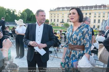 Sommernachtskonzert 2021 - Schönbrunn, Wien - Fr 18.06.2021 - Elisabeth KÖSTINGER, Alexander WRABETZ27
