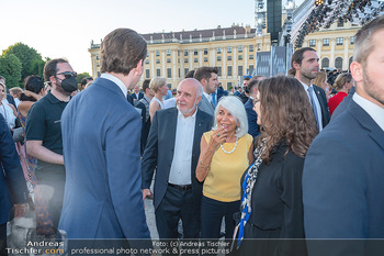 Sommernachtskonzert 2021 - Schönbrunn, Wien - Fr 18.06.2021 - Sebastian KURZ mit Fans aus Italien33