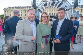 Sommernachtskonzert 2021 - Schönbrunn, Wien - Fr 18.06.2021 - Margarete SCHRAMBÖCK mit Marcel, Stephan OTTRUBAY37