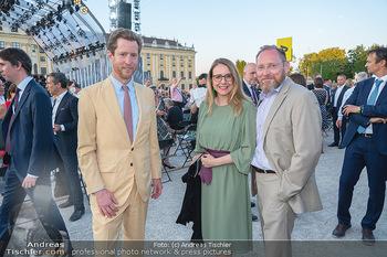 Sommernachtskonzert 2021 - Schönbrunn, Wien - Fr 18.06.2021 - Margarete SCHRAMBÖCK mit Marcel, Alexis VON HOENSBROECH40