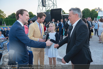 Sommernachtskonzert 2021 - Schönbrunn, Wien - Fr 18.06.2021 - Sebastian KURZ begrüßt Werner KOGLER, Alexis VON HOENSBROECH m58