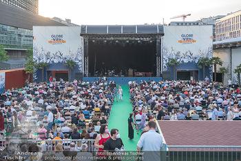 Kultursommer Opening - Globe Wien Open Air - So 20.06.2021 - Publikum, Zuschauer, Gäste, corona-konforme Sitzplatzverteilung45