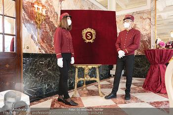 Sacher´s Artist Collection - Hotel Sacher, Wien - Di 22.06.2021 - Pagen im Hotel Sacher2