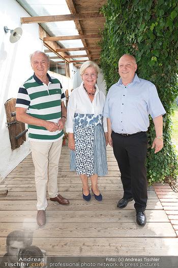Hilfe im eigenen Land Charity - Brandlhof, Radlbrunn Nö - Do 24.06.2021 - Erwin und Elisabeth Sissi PRÖLL, Andreas UBL2