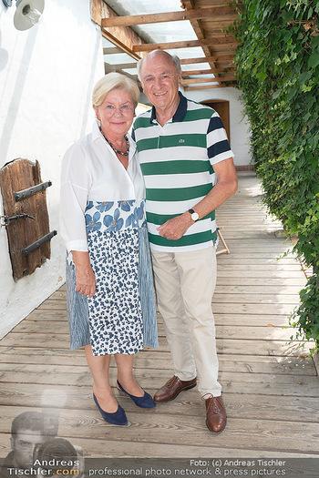 Hilfe im eigenen Land Charity - Brandlhof, Radlbrunn Nö - Do 24.06.2021 - Erwin und Elisabeth Sissi PRÖLL4
