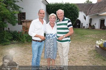 Hilfe im eigenen Land Charity - Brandlhof, Radlbrunn Nö - Do 24.06.2021 - Erwin und Elisabeth Sissi PRÖLL mit Sohn Andreas Andi19