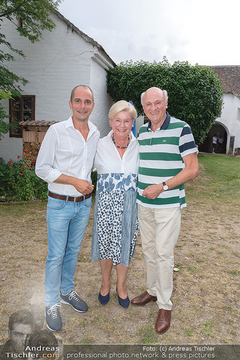 Hilfe im eigenen Land Charity - Brandlhof, Radlbrunn Nö - Do 24.06.2021 - Erwin und Elisabeth Sissi PRÖLL mit Sohn Andreas Andi20