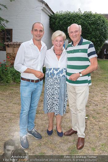 Hilfe im eigenen Land Charity - Brandlhof, Radlbrunn Nö - Do 24.06.2021 - Erwin und Elisabeth Sissi PRÖLL mit Sohn Andreas Andi21