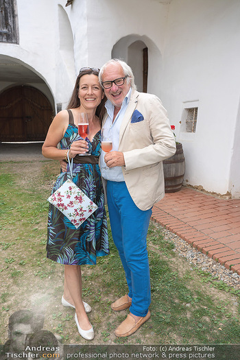 Hilfe im eigenen Land Charity - Brandlhof, Radlbrunn Nö - Do 24.06.2021 - Michael SCHOTTENBERG mit Freundin Claire22