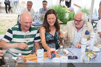 Hilfe im eigenen Land Charity - Brandlhof, Radlbrunn Nö - Do 24.06.2021 - Michael SCHOTTENBERG mit Freundin Claire, Erwin PRÖLL35