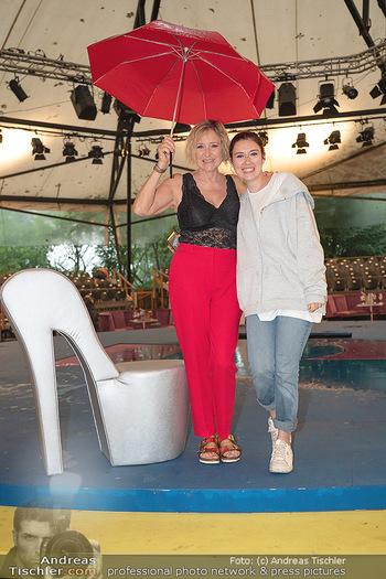 Sommernachtskomödie - Unwetter - Rosenburg, Niederösterreich - Do 24.06.2021 - Elisabeth Lizzy ENGSTLER mit Tochter Amelie28