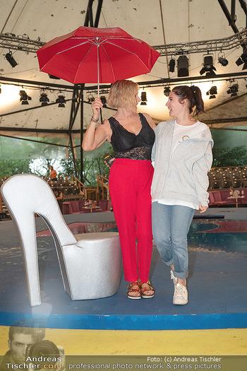Sommernachtskomödie - Unwetter - Rosenburg, Niederösterreich - Do 24.06.2021 - Elisabeth Lizzy ENGSTLER mit Tochter Amelie30
