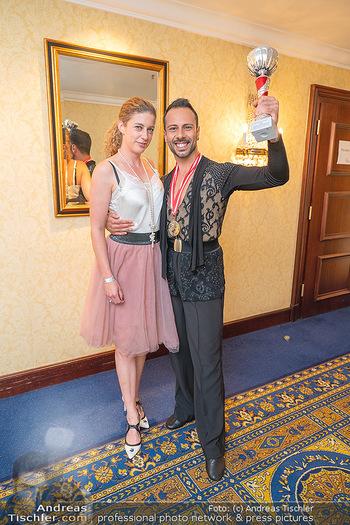 Silvia Schneider ist Tanz-Staatsmeisterin - Hotel InterContinental - Sa 26.06.2021 - Danilo CAMPISI mit Freundin Sonja29