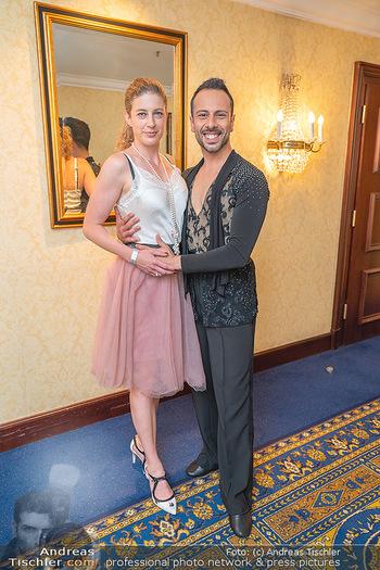Silvia Schneider ist Tanz-Staatsmeisterin - Hotel InterContinental - Sa 26.06.2021 - Danilo CAMPISI mit Freundin Sonja30