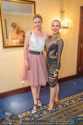 Silvia Schneider ist Tanz-Staatsmeisterin - Hotel InterContinental - Sa 26.06.2021 - Silvia SCHNEIDER mit Sonja (Freudin von Danilo Campisi)31