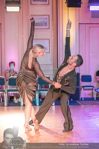 Silvia Schneider ist Tanz-Staatsmeisterin - Hotel InterContinental - Sa 26.06.2021 - Silvia SCHNEIDER, Danilo CAMPISI während Bewerbstanz40