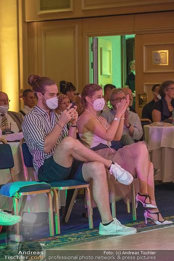 Silvia Schneider ist Tanz-Staatsmeisterin - Hotel InterContinental - Sa 26.06.2021 - Freundin Sonja von Danilo und Anhang, Fans Team Campisi42