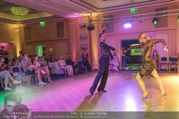 Silvia Schneider ist Tanz-Staatsmeisterin - Hotel InterContinental - Sa 26.06.2021 - Silvia SCHNEIDER, Danilo CAMPISI während Bewerbstanz43