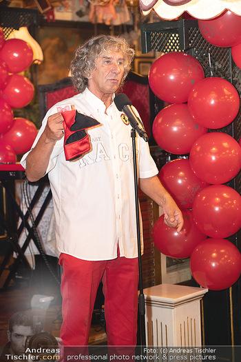 Geburtstag Birgit Sarata - Marchfelderhof - Mo 28.06.2021 - Tony REI zaubert auf der Bühne, Bühnenfoto57