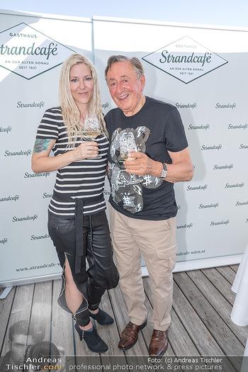 Christina Lunger Geburtstag - Strandcafe alte Donau, Wien - Di 29.06.2021 - Richard LUGNER mit Freundin Simone7