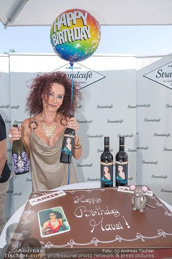 Christina Lunger Geburtstag - Strandcafe alte Donau, Wien - Di 29.06.2021 - Christina LUGNER mit ihrem Wein9