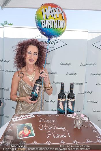 Christina Lunger Geburtstag - Strandcafe alte Donau, Wien - Di 29.06.2021 - Christina LUGNER mit ihrem Wein10