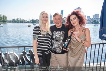 Christina Lunger Geburtstag - Strandcafe alte Donau, Wien - Di 29.06.2021 - Richard LUGNER mit Freundin Simone, Christina LUGNER23