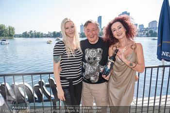 Christina Lunger Geburtstag - Strandcafe alte Donau, Wien - Di 29.06.2021 - Richard LUGNER mit Freundin Simone, Christina LUGNER24