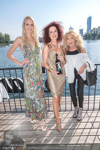 Christina Lunger Geburtstag - Strandcafe alte Donau, Wien - Di 29.06.2021 - Beatrice KÖRMER, Jeanine SCHILLER, Christina LUGNER36