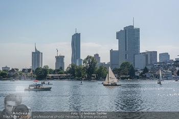 Christina Lunger Geburtstag - Strandcafe alte Donau, Wien - Di 29.06.2021 - Badegäste, baden und Bootfahren, Boote auf der alten Donau, Sky48