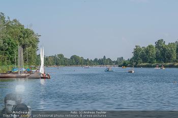 Christina Lunger Geburtstag - Strandcafe alte Donau, Wien - Di 29.06.2021 - Badegäste, baden und Bootfahren, Boote auf der alten Donau, Sky50