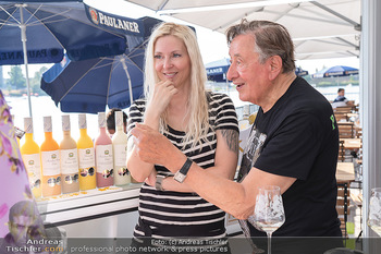 Christina Lunger Geburtstag - Strandcafe alte Donau, Wien - Di 29.06.2021 - Richard LUGNER mit Freundin Simone58