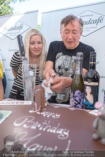 Christina Lunger Geburtstag - Strandcafe alte Donau, Wien - Di 29.06.2021 - Richard LUGNER mit Simone und Geburtstagstorte67