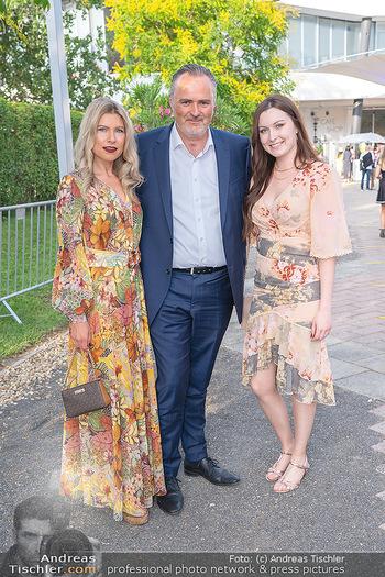 Premiere West Side Story - Mörbisch - Do 08.07.2021 - Hans Peter DOSKOZIL mit Tochter Laura und Freundin Julia JURTSCH4