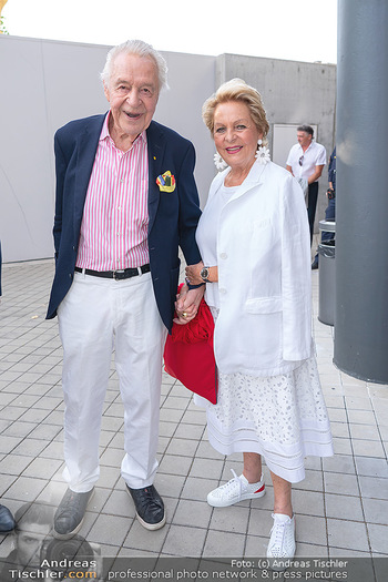 Premiere West Side Story - Mörbisch - Do 08.07.2021 - Harald und Ingeborg SERAFIN9