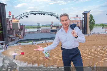 Premiere West Side Story - Mörbisch - Do 08.07.2021 - Alfons HAIDER vor der großen Seebühne31