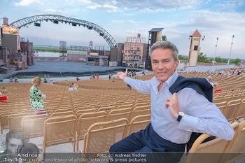 Premiere West Side Story - Mörbisch - Do 08.07.2021 - Alfons HAIDER vor der großen Seebühne33